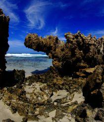 Quagi beach rocks