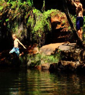 Galvans gorge rope jump